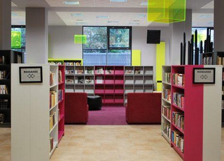 Meble na zamówienie dla biblioteki. Wyposażenie: sofa, regały biblioteczne, szafy, stolik, biurko, fotele, krzesła, lada biblioteczna, meble nietypowe - Meble do bibliotek