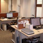 Type biurka jako meble biurowe we wrocławskim biurze literackim