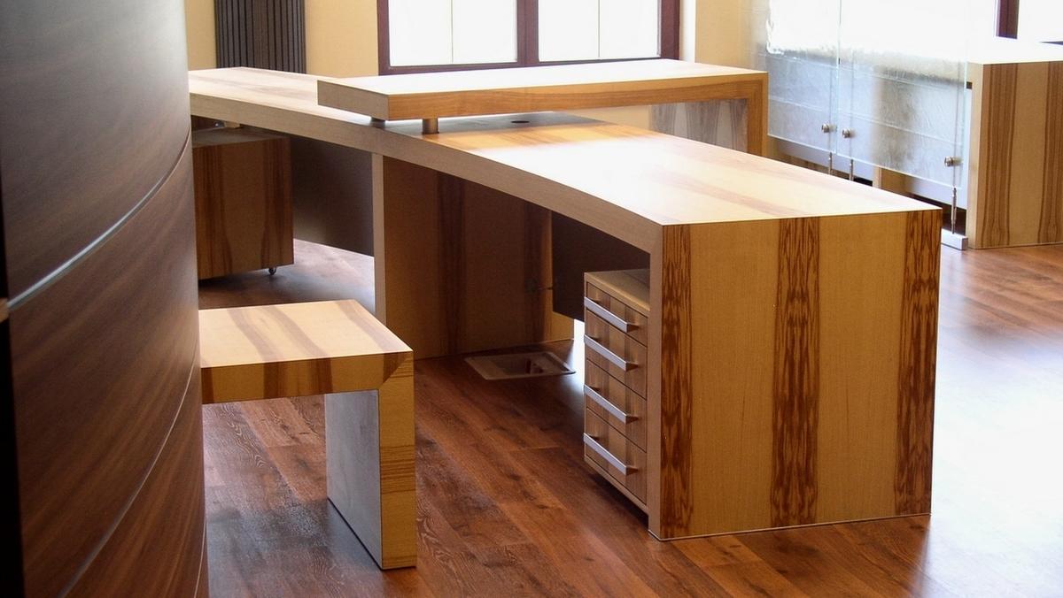 Masywne meble biurowe przygotowane dla jednego z wrocławskich biur notarialnych