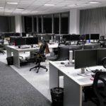 Open space widoczne na zdjęciu to jedno przestrzeń jednej z wrocławskich korporacji. Meble biurowe, które tam dostarczyliśmy odpowiadają najwyższym standardom