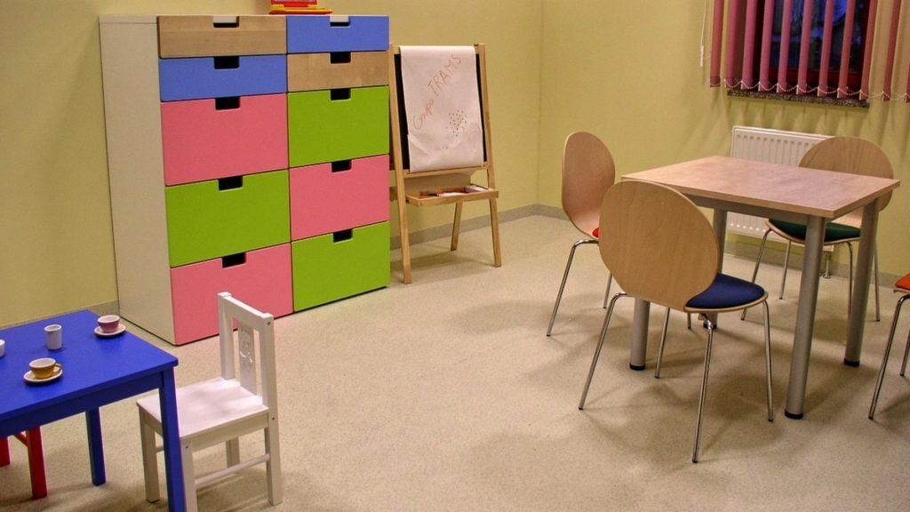- Meble nietypowe. Meble na zamówienie. Lady, szafy, regały, stoły, siedziska, krzesła, fotele. Wyposażenie meblowe na zamówienie