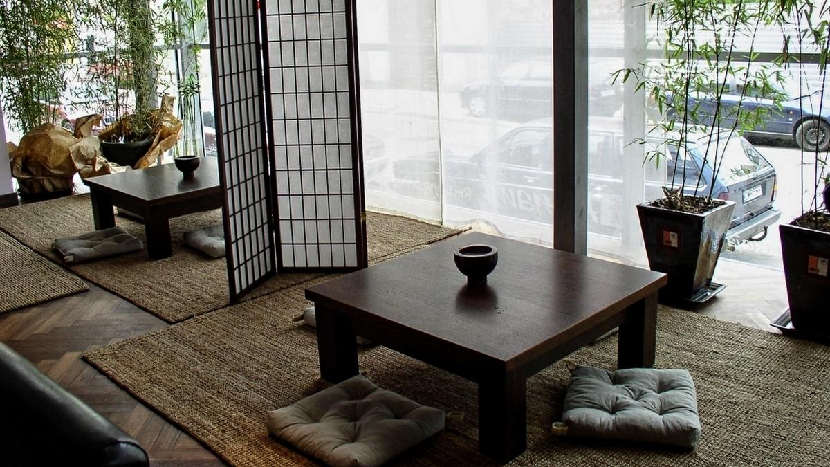 Meble nietypowe. Meble na zamówienie. Lady, szafy, regały, stoły, siedziska, krzesła, fotele. Wyposażenie meblowe na zamówienie